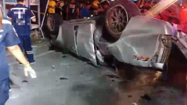 Tai nạn nghiêm trọng: Bán tải gặp nạn, 17 sinh viên t.ử v.ong thương tâm