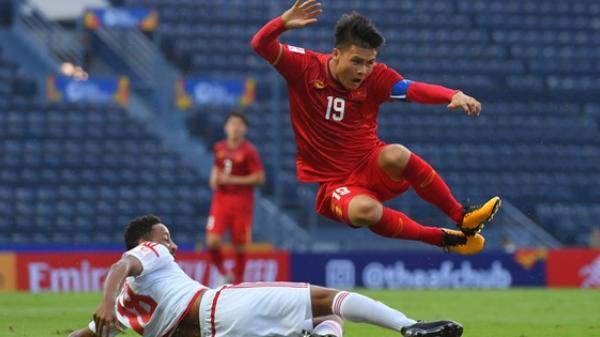 """U23 Việt Nam """"gãy cánh"""", nhưng chưa đáng lo bằng việc Quang Hải bị """"phế võ công"""""""