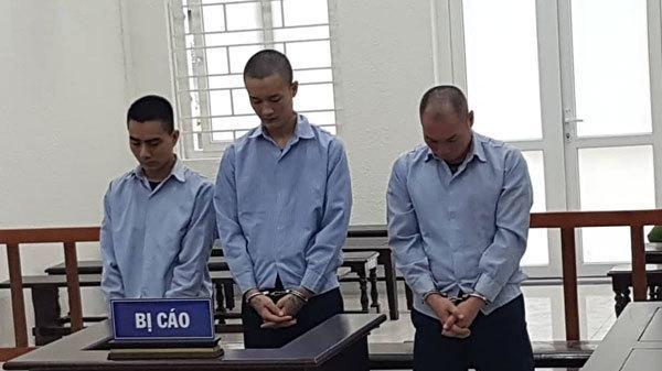 Hai bé gái 15 tuổi bị g iam l ỏng để m ua v ui cho đà n ô ng ở Hà Nội