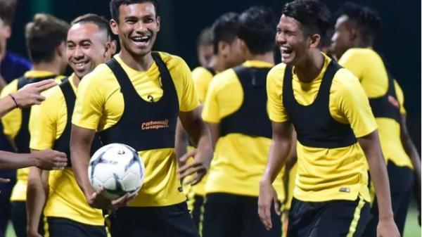 Tiền đạo Malaysia: 'Tôi tự tin sẽ đánh bại Đoàn Văn Hậu'