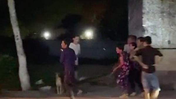 """Clip cận cảnh """"bé Na"""" khổng lồ ở Miền Tây bị vây bắt khi đang lang thang tìm đường về nhà"""