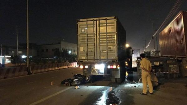 Tông vào đuôi xe container chạy phía trước, nam thanh niên tử vong tại chỗ