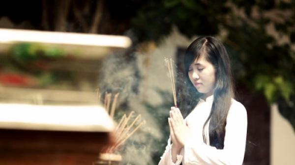 Đầu năm đi chùa thành tâm là chính: Đừng cầu nguyện những điều sau kẻo xua tan phúc khí của gia đình