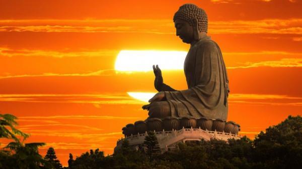 """Phật dạy: """"Một ngọn đèn"""" - đạo lý tuy đơn giản nhưng giúp con người thành công rực rỡ"""