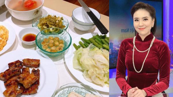 Lấy chồng đại gia có tiếng Hà Thành, nhưng nhìn bữa cơm giản dị của BTV Mai Ngọc khiến nhiều người ngạc nhiên và lý do cũng thật bất ngờ