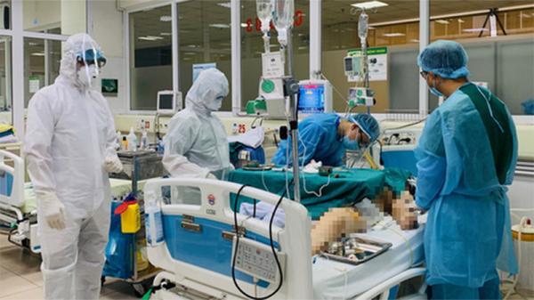 Thêm một bệnh nhân Covid-19 tại Việt Nam trở nặng, 3 lần ngừng tuần hoàn