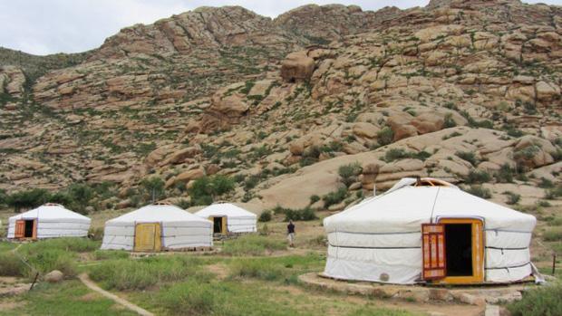 Hãy thử ở trong khu lều trại du mục này nhé (Ảnh: Internet)