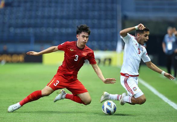 Huỳnh Tấn Sinh chưa có phong độ tốt trong trận gặp U23 UAE vừa qua. (Ảnh: Sport5)