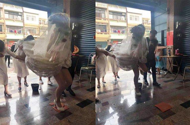 Chú rể và phù dâu kéo váy lên cao khiến cô dâu suýt